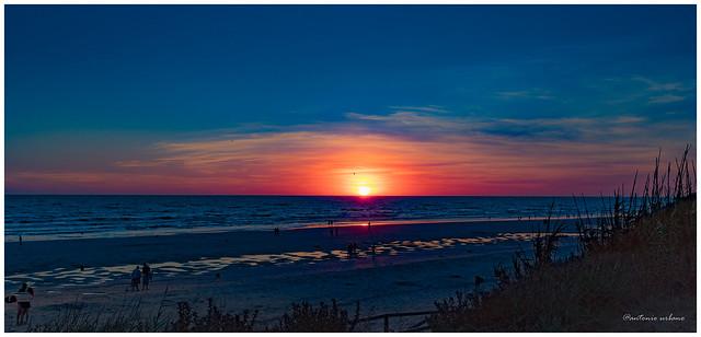 Puesta de sol en rojo y azul // Sunset in red and blue ( EXPLORE 29/03/2021).
