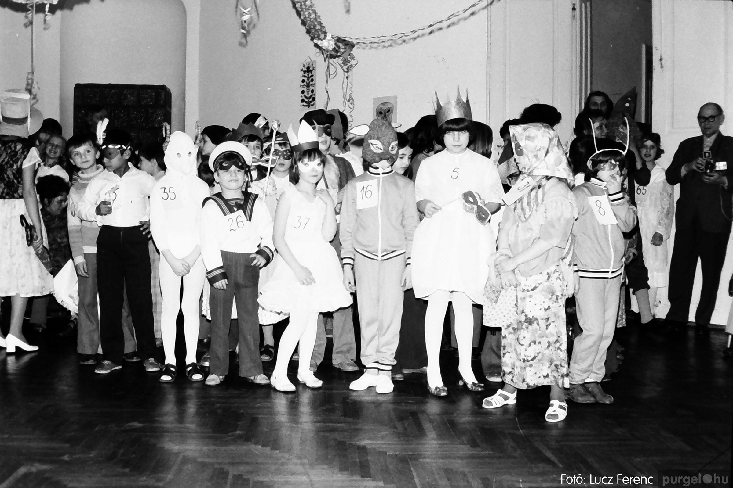 074. 1977. Farsang a gyermekotthonban 007. - Fotó: Lucz Ferenc.jpg