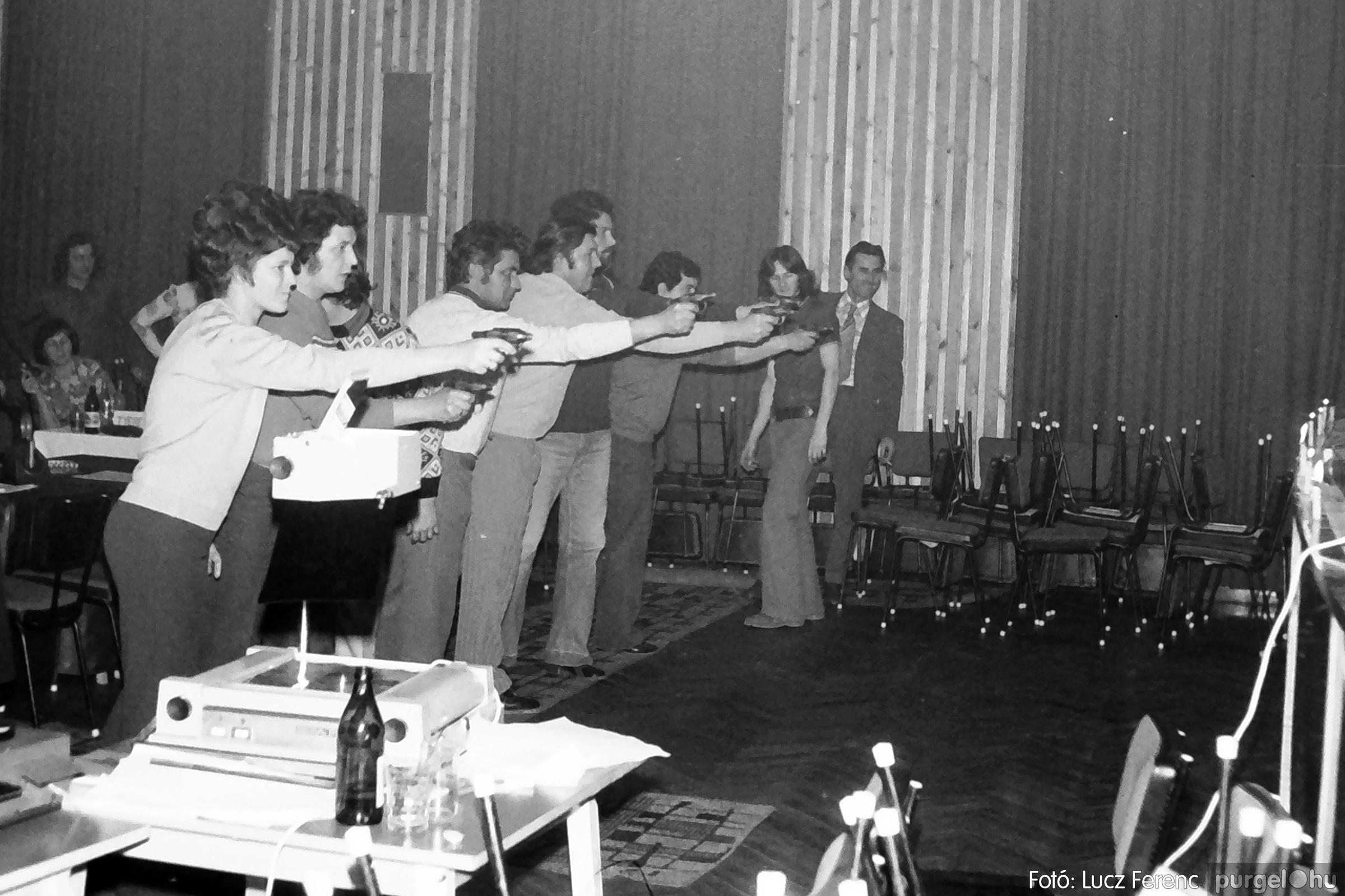 074. 1977. KTSZ-es dolgozók vetélkedője 005. - Fotó: Lucz Ferenc.jpg