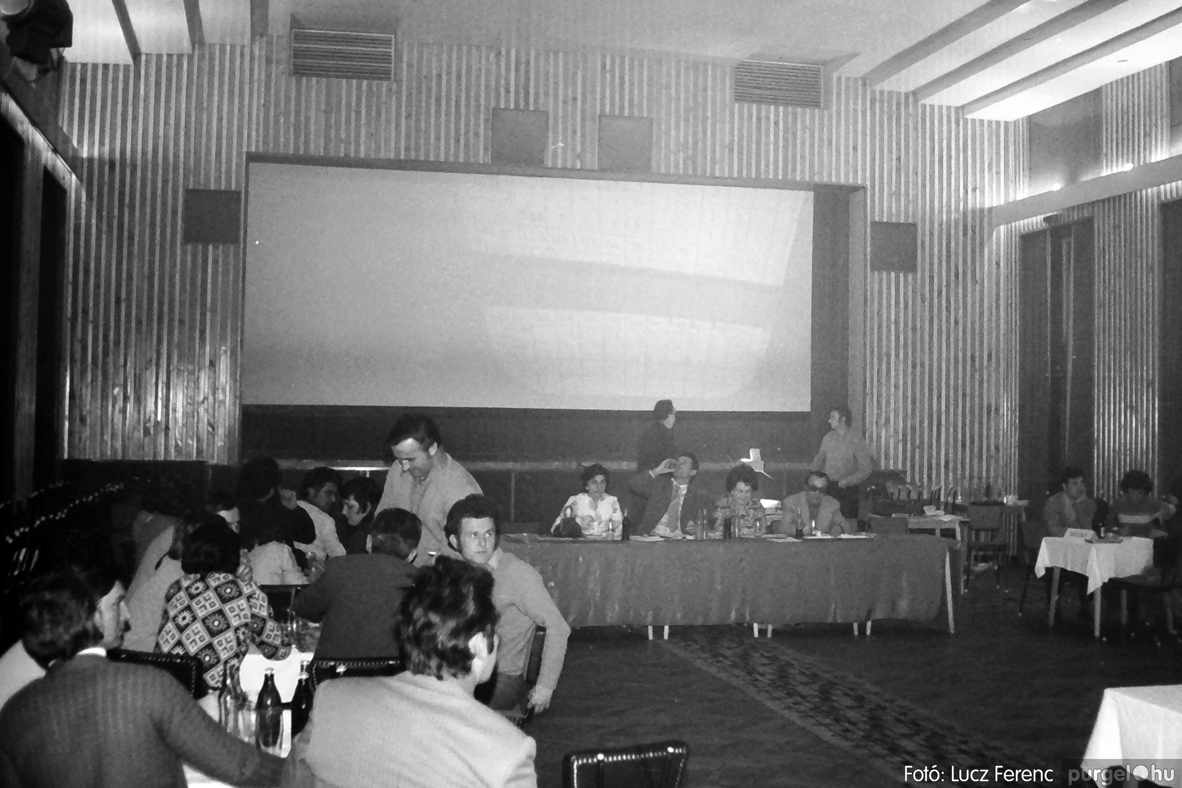 074. 1977. KTSZ-es dolgozók vetélkedője 004. - Fotó: Lucz Ferenc.jpg