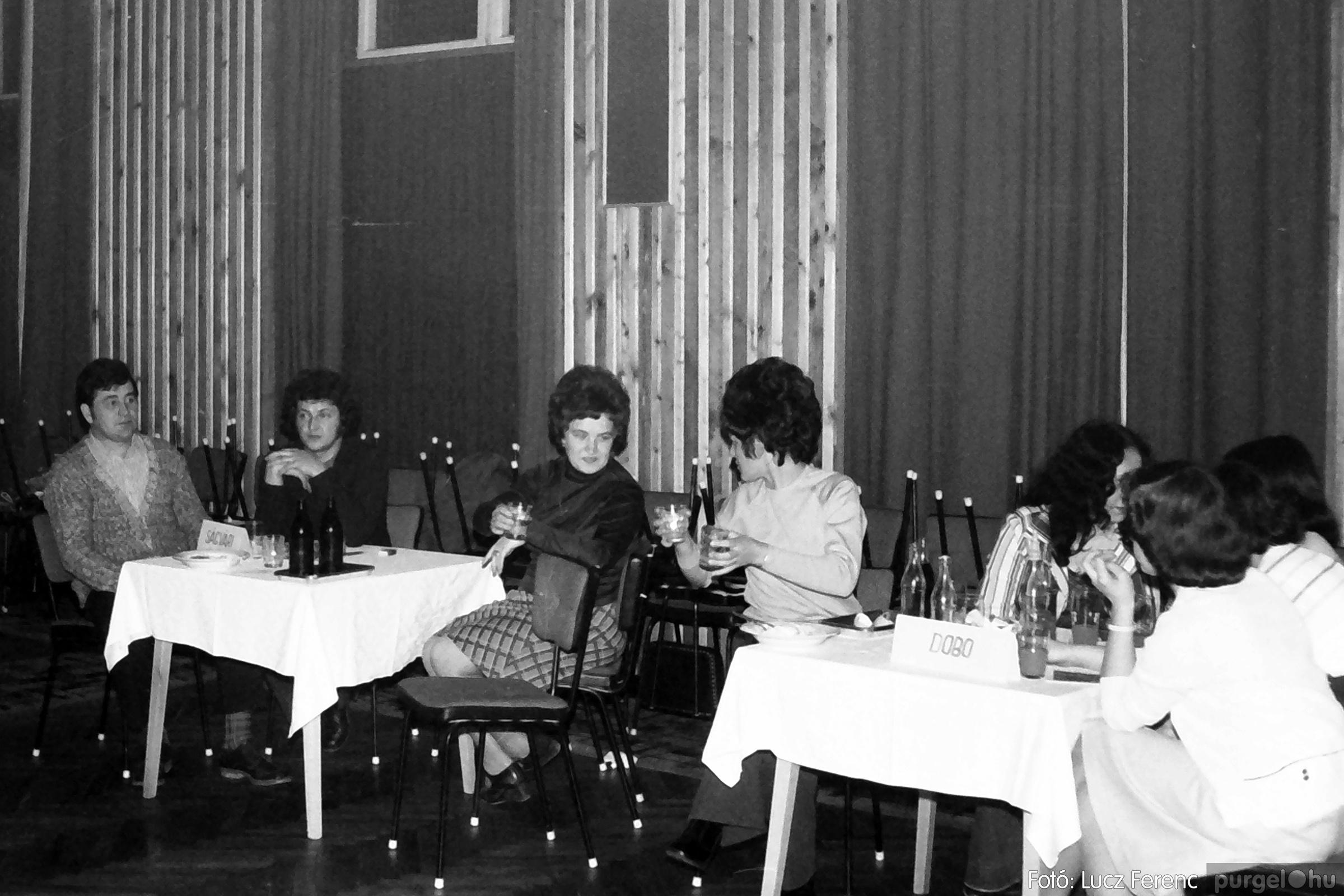074. 1977. KTSZ-es dolgozók vetélkedője 003. - Fotó: Lucz Ferenc.jpg