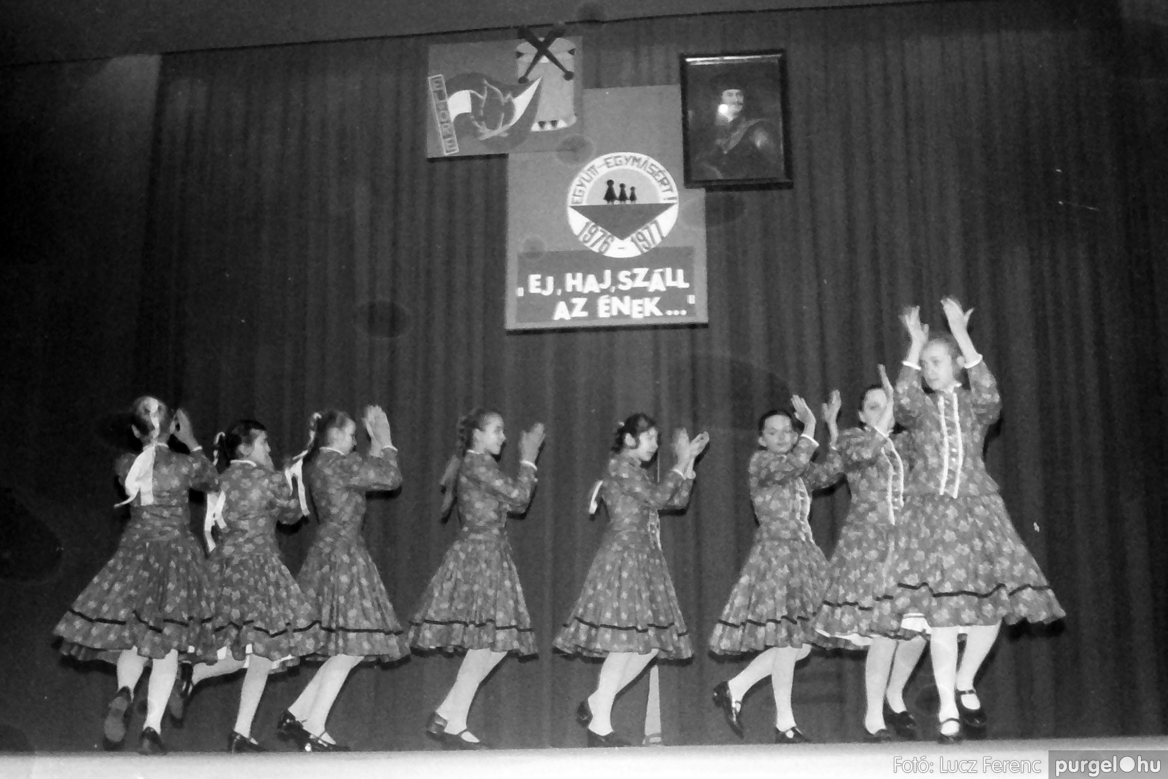 077. 1977. Kulturális seregszemle Mindszenten 007. - Fotó: Lucz Ferenc.jpg