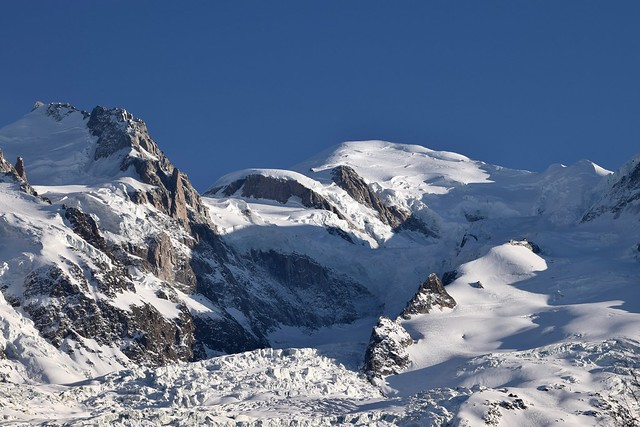 Mont Blanc, glacier et refuge - Mt Blanc, glacier and hut