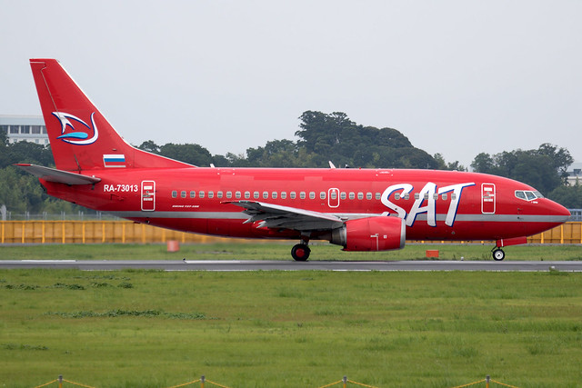 SAT Airlines Boeing737-5L9 RA-73013