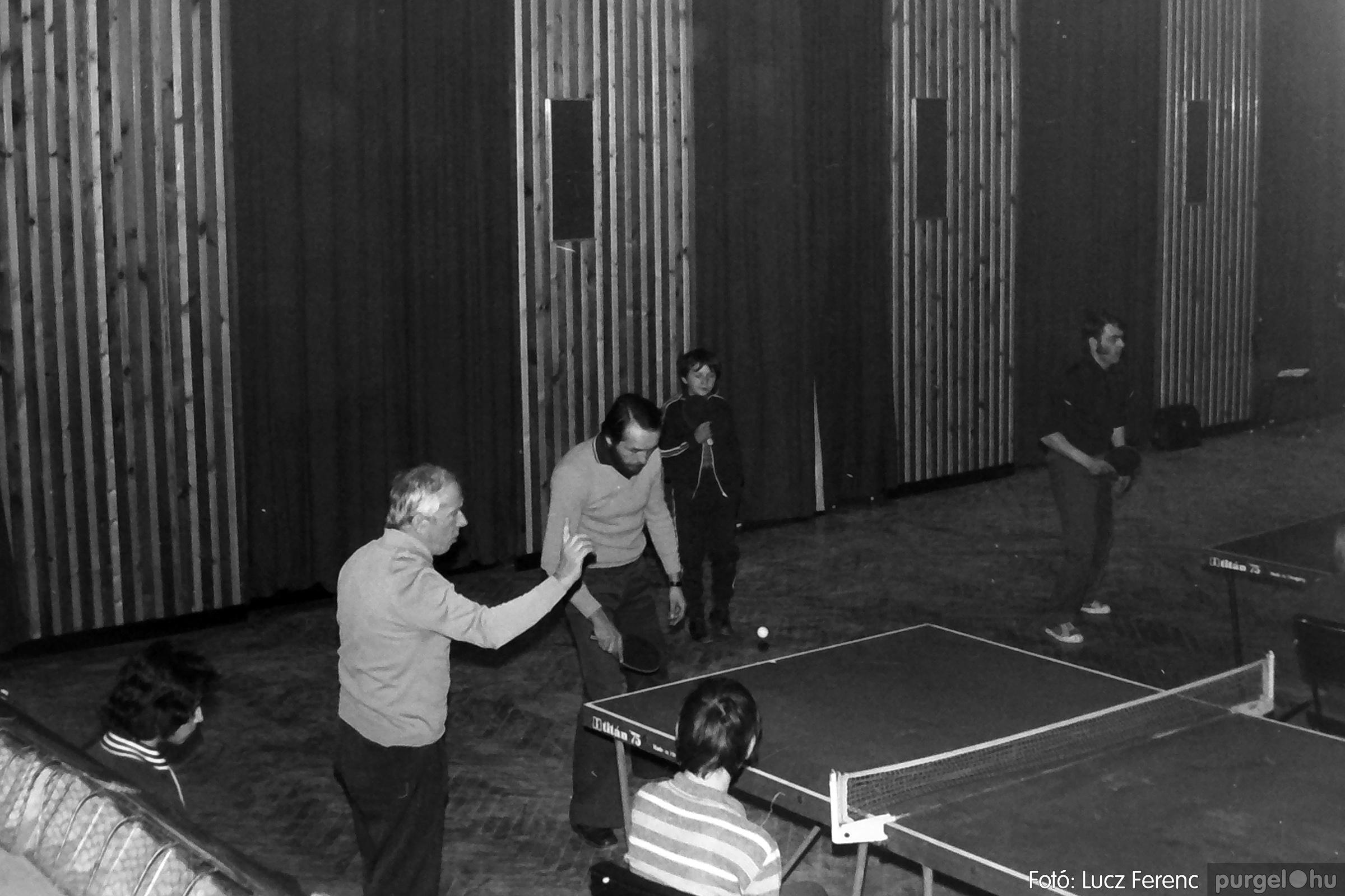 073. 1977. Asztaltenisz verseny 009. - Fotó: Lucz Ferenc.jpg