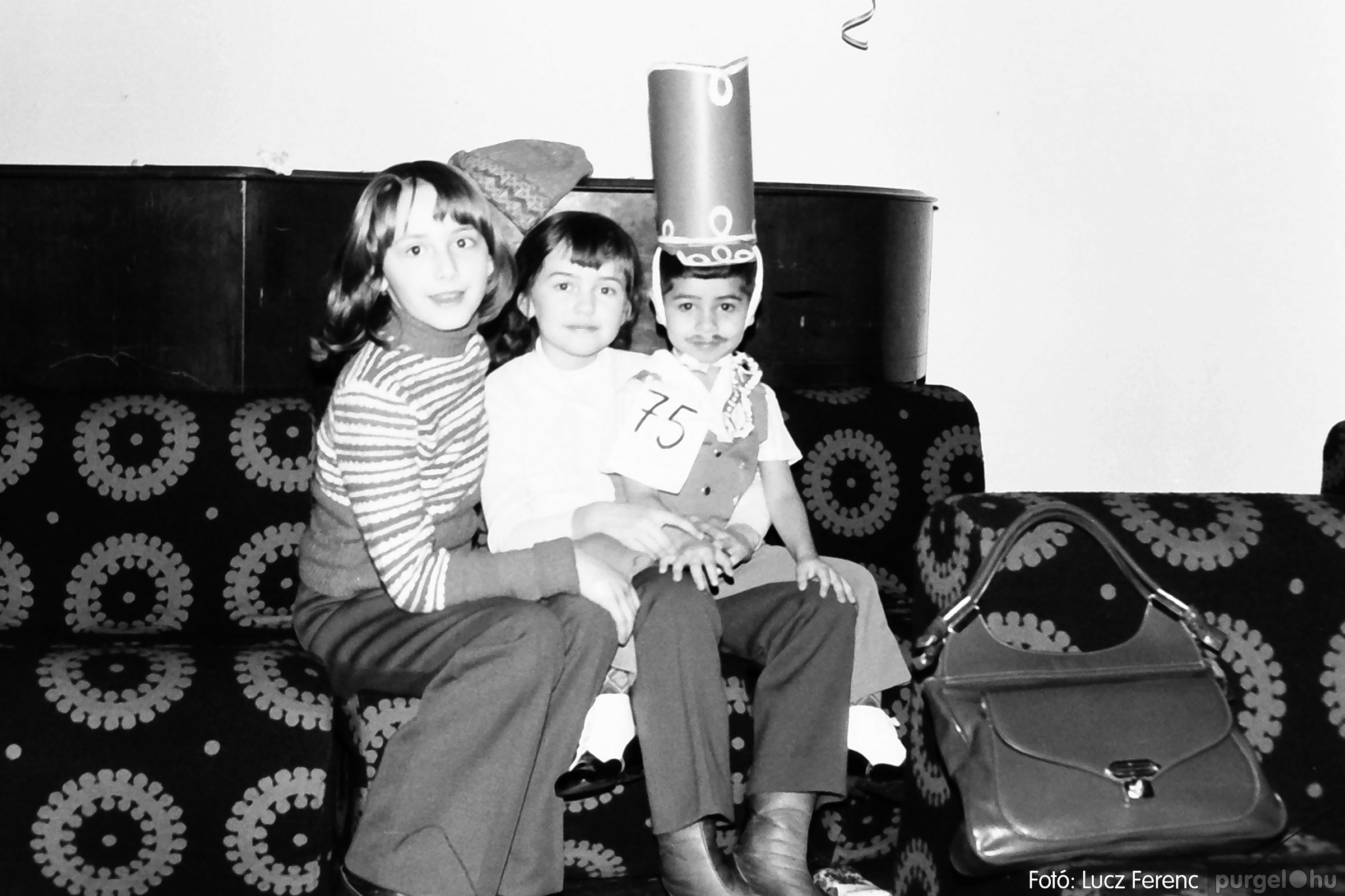 074. 1977. Farsang a gyermekotthonban 012. - Fotó: Lucz Ferenc.jpg
