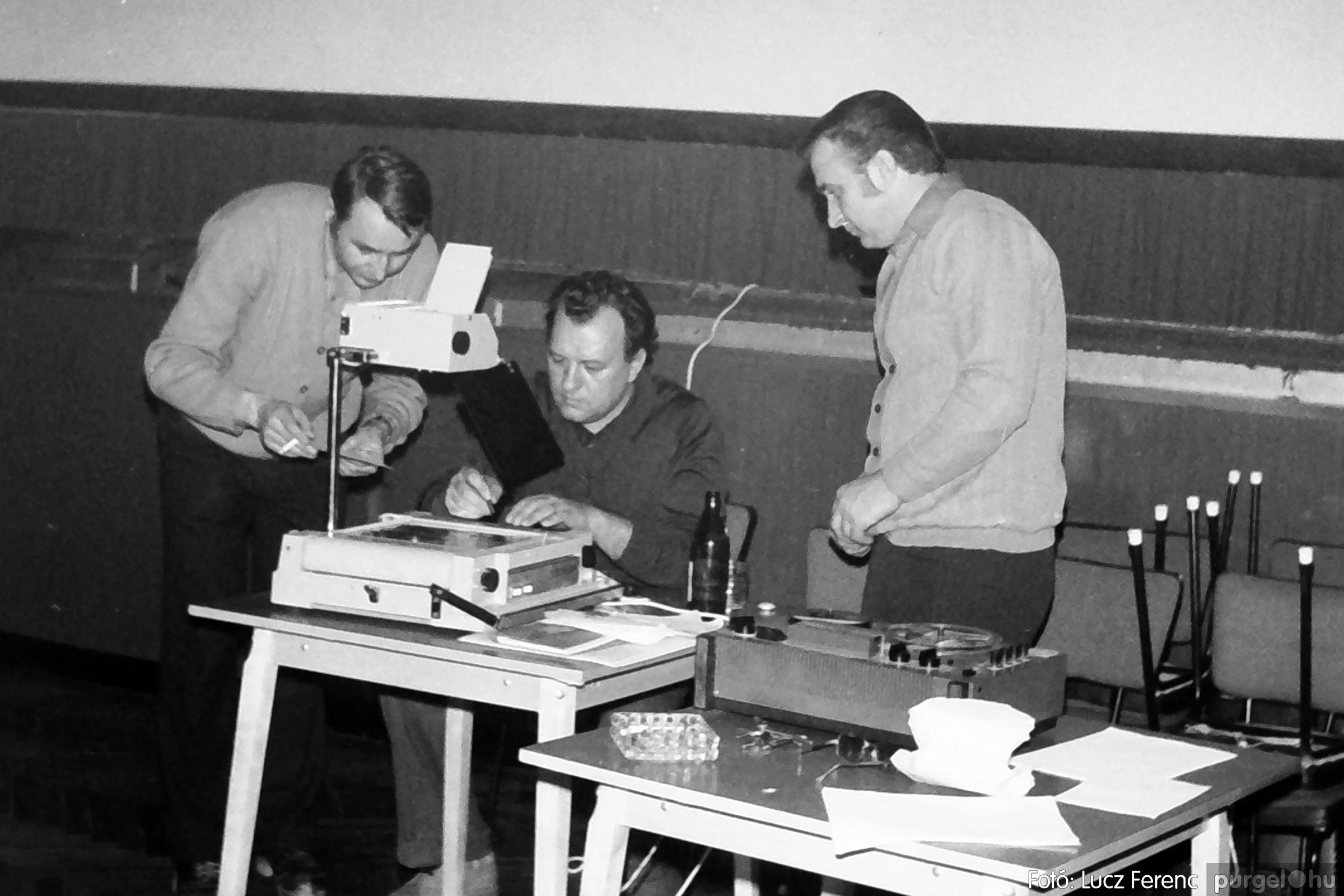 074. 1977. KTSZ-es dolgozók vetélkedője 006. - Fotó: Lucz Ferenc.jpg