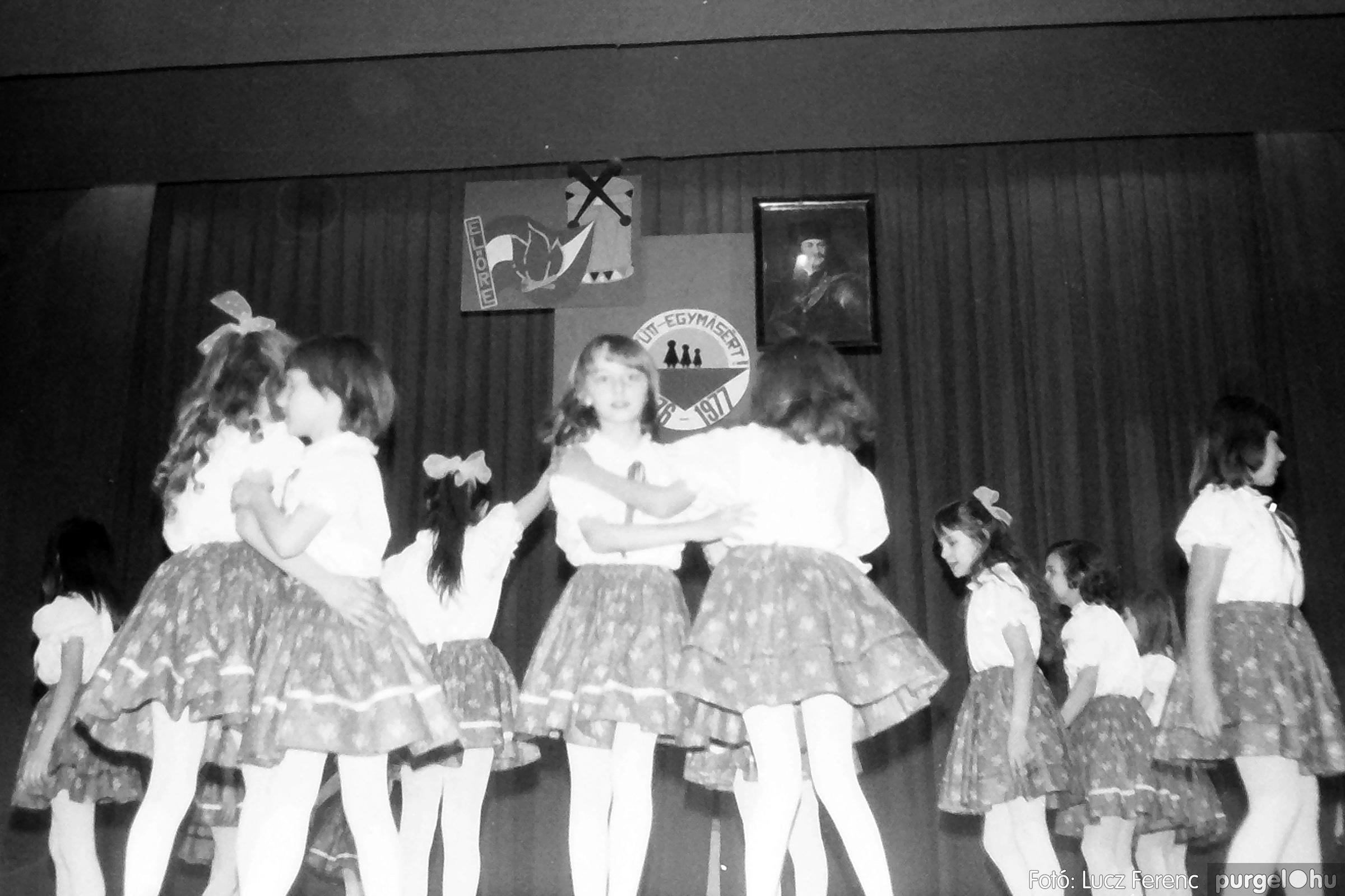 077. 1977. Kulturális seregszemle Mindszenten 003. - Fotó: Lucz Ferenc.jpg
