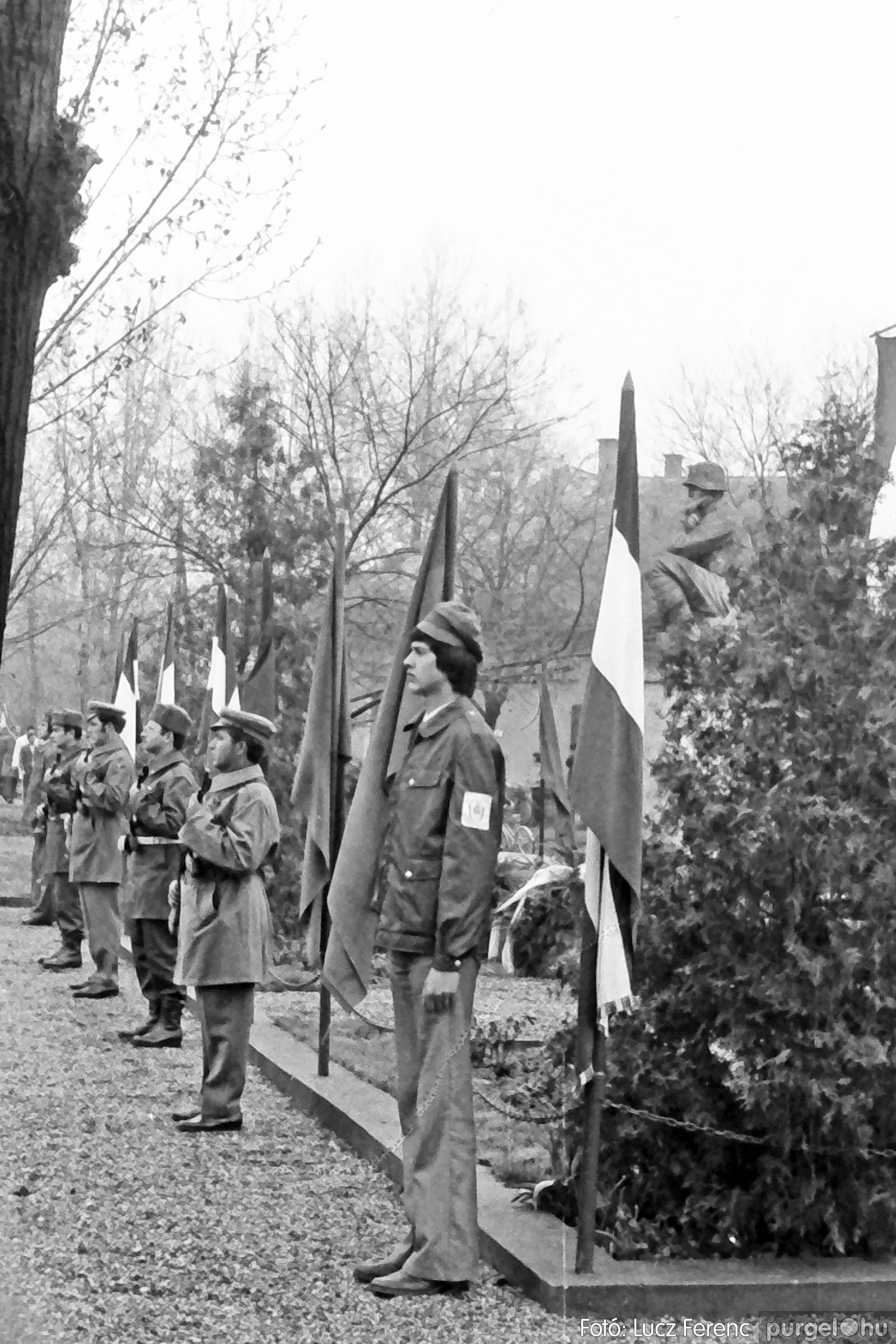 078. 1977.04.04. Április 4-i ünnepség 011. - Fotó: Lucz Ferenc.jpg