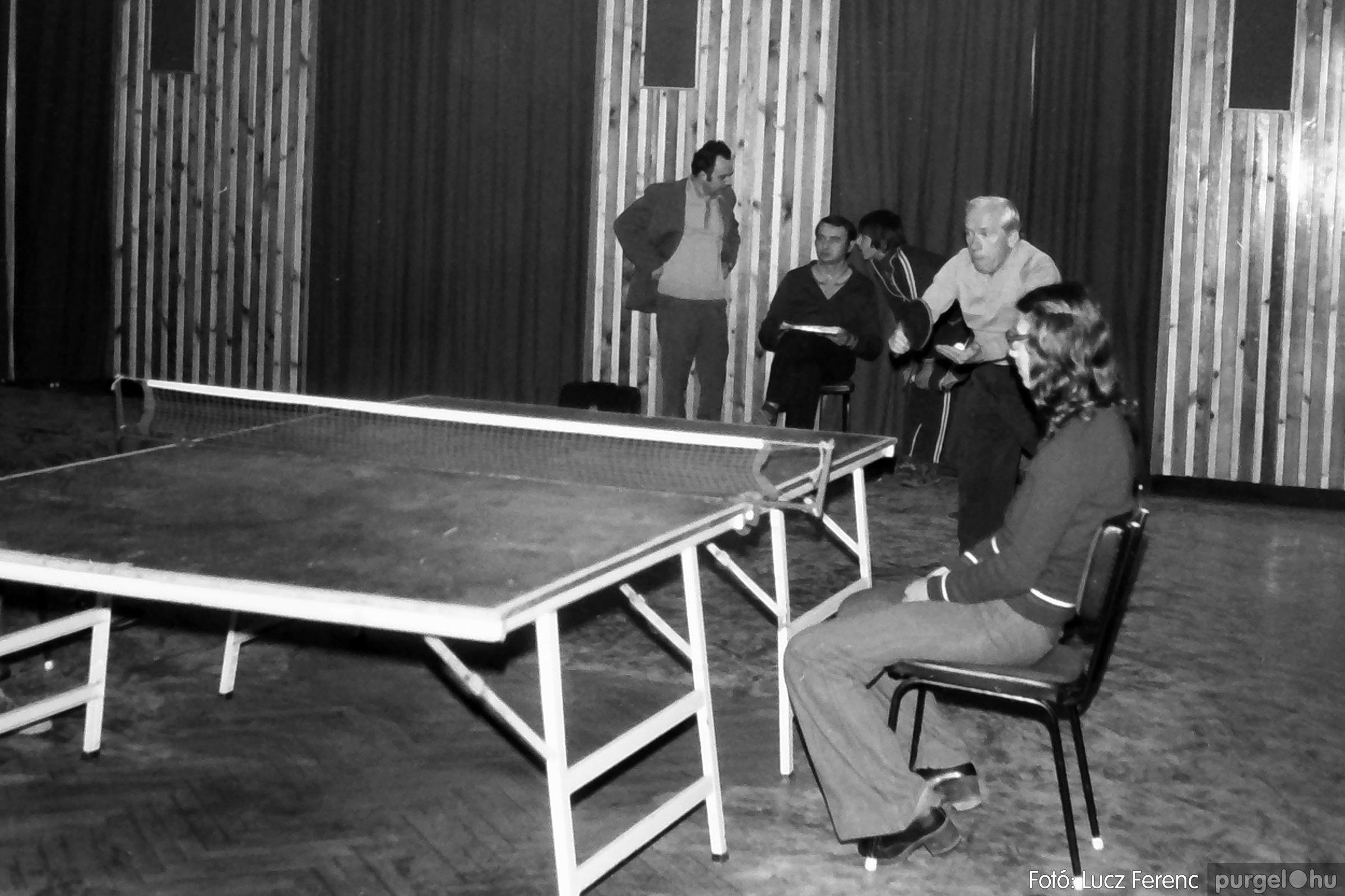 073. 1977. Asztaltenisz verseny 012. - Fotó: Lucz Ferenc.jpg