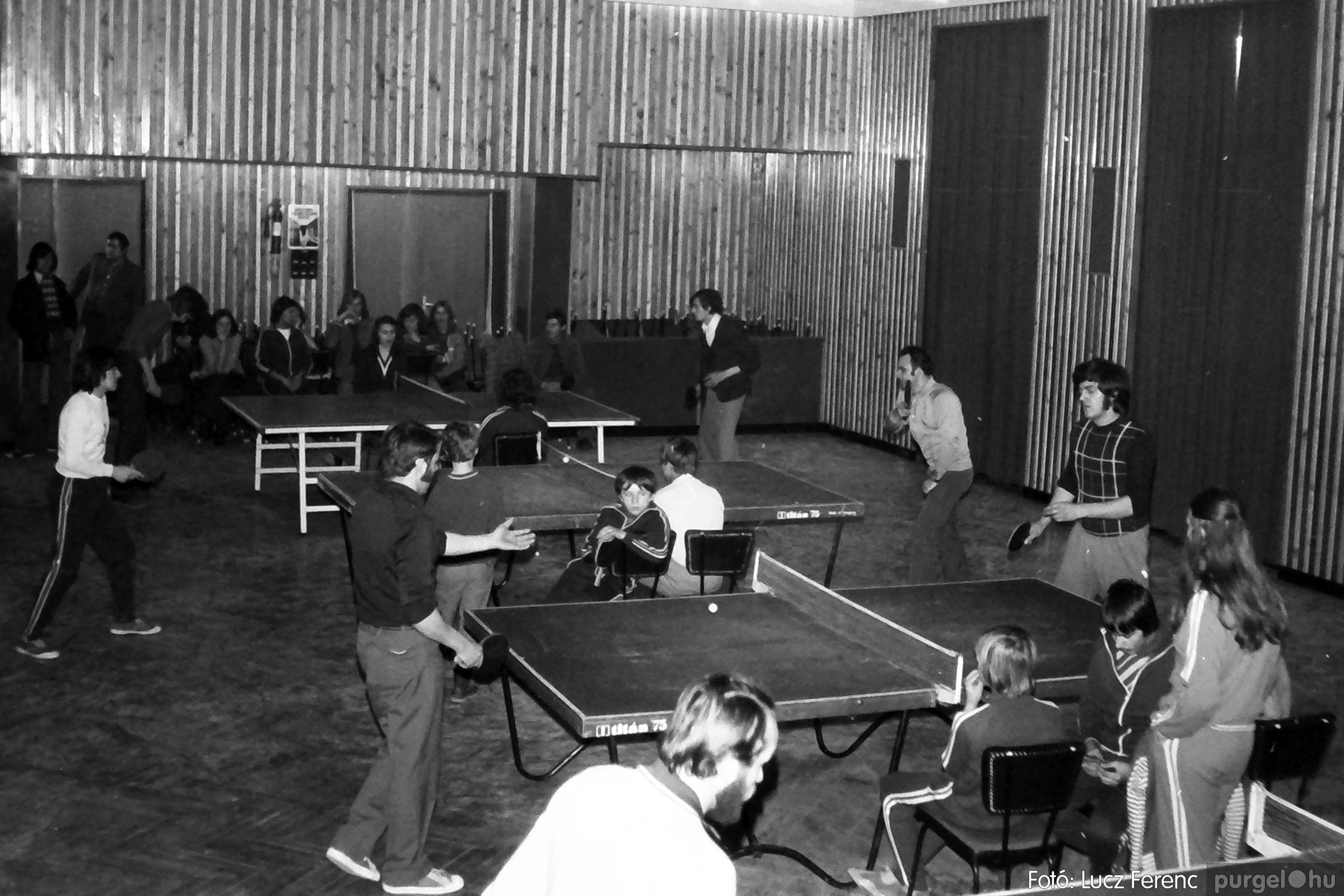 073. 1977. Asztaltenisz verseny 011. - Fotó: Lucz Ferenc.jpg
