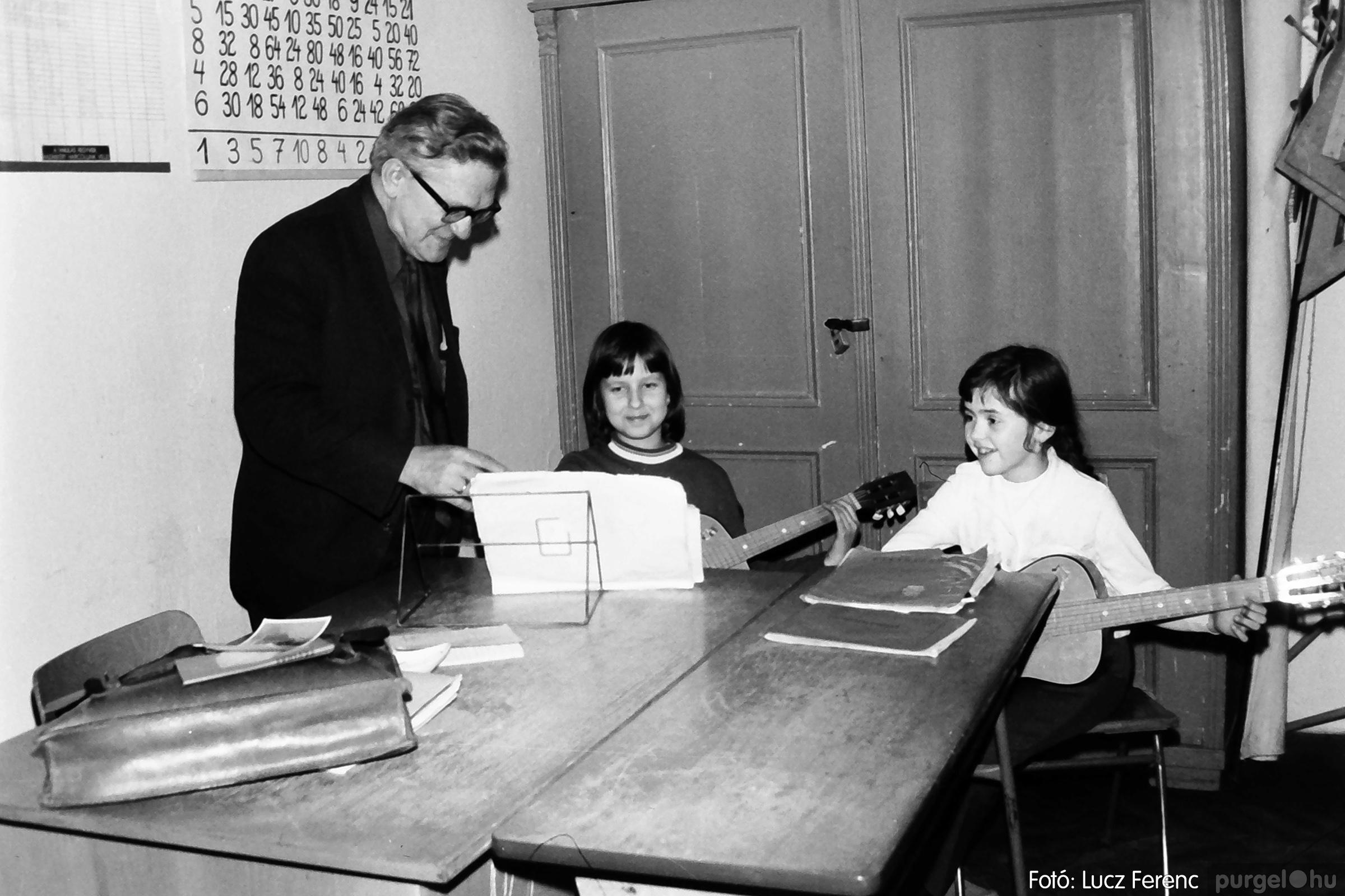 074. 1977. Farsang a gyermekotthonban 013. - Fotó: Lucz Ferenc.jpg