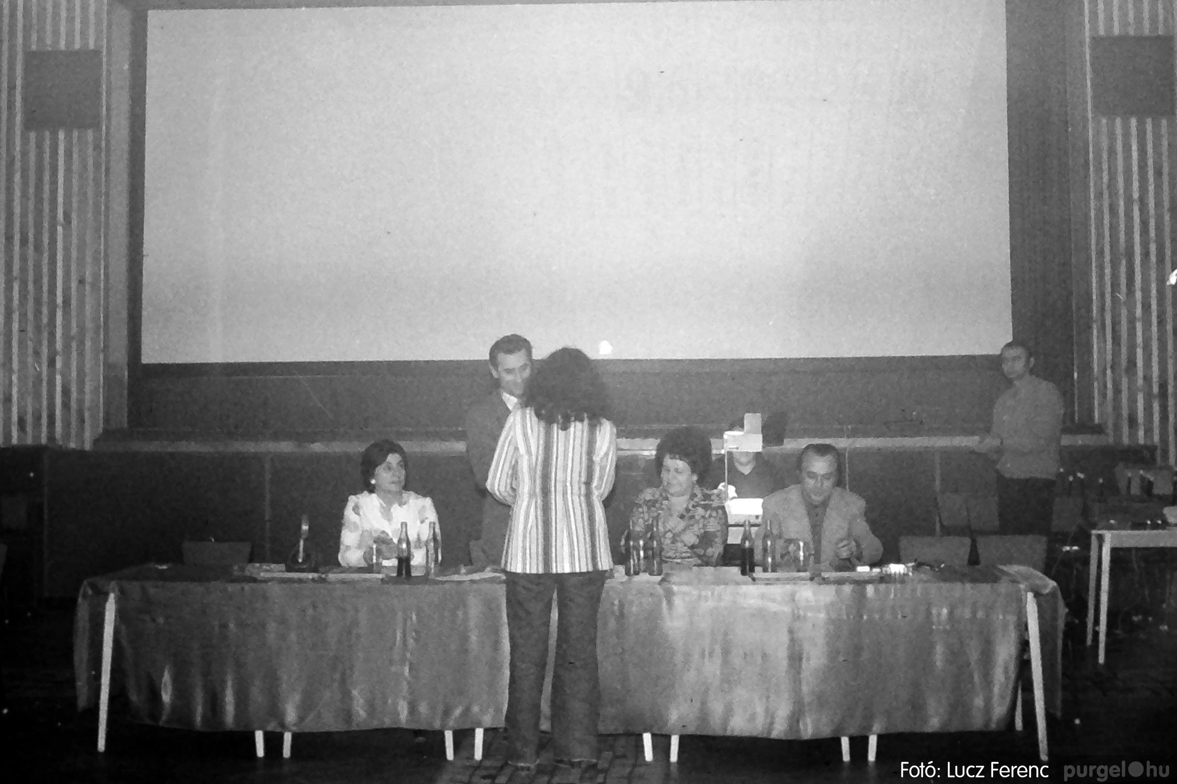 074. 1977. KTSZ-es dolgozók vetélkedője 014. - Fotó: Lucz Ferenc.jpg
