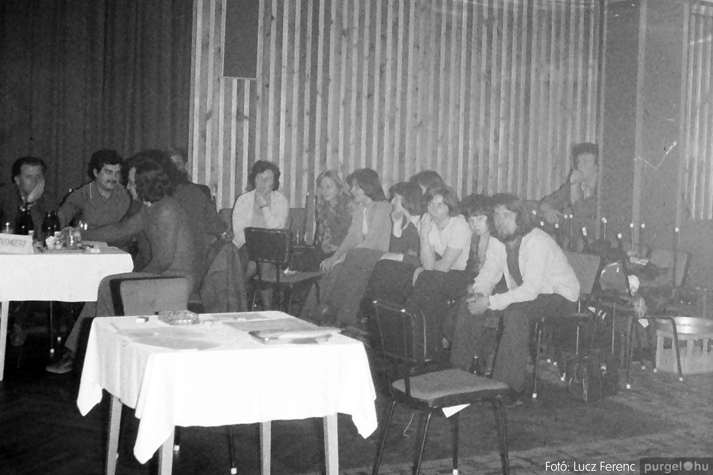 074. 1977. KTSZ-es dolgozók vetélkedője 009. - Fotó: Lucz Ferenc.jpg