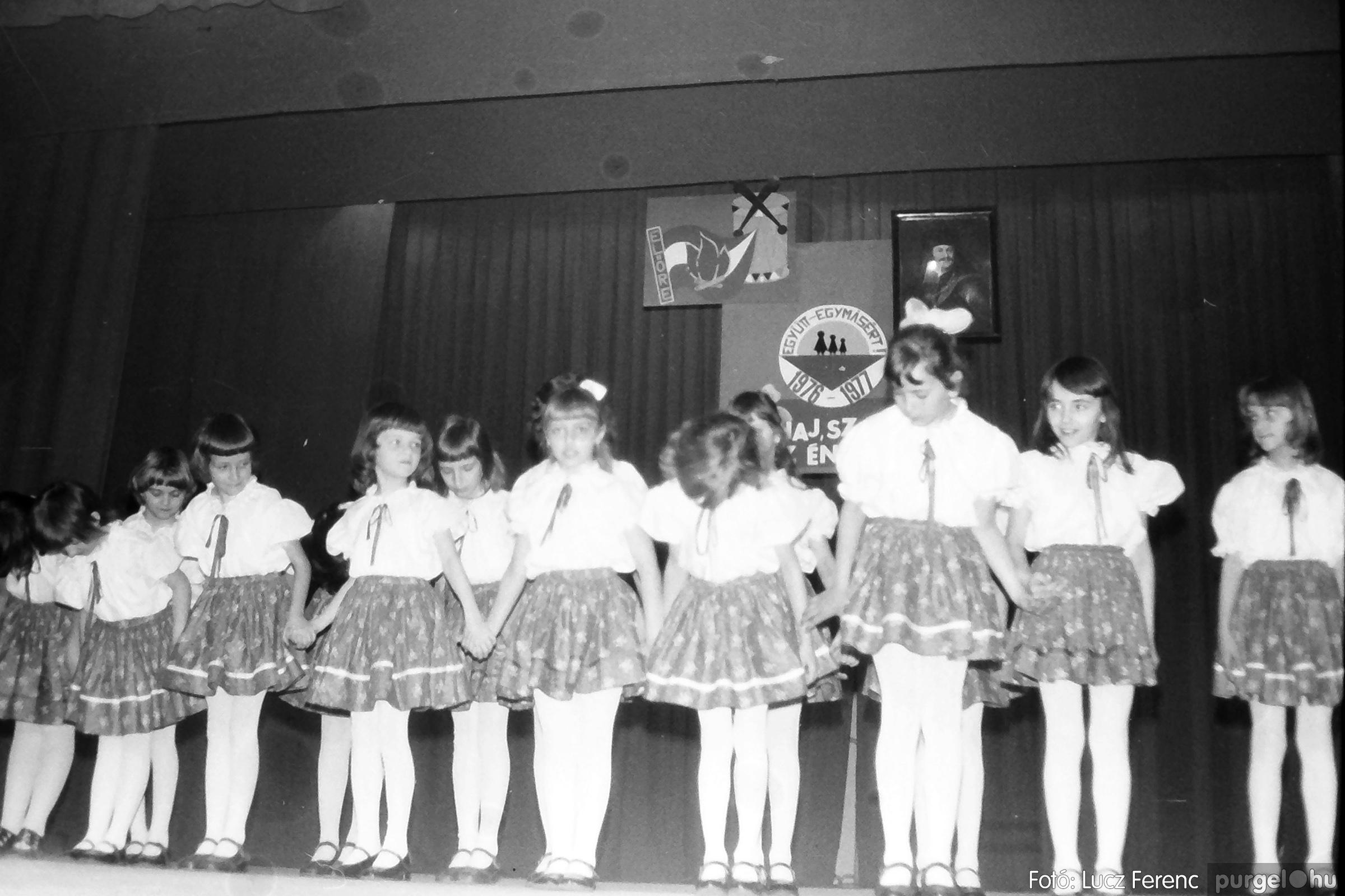 077. 1977. Kulturális seregszemle Mindszenten 005. - Fotó: Lucz Ferenc.jpg