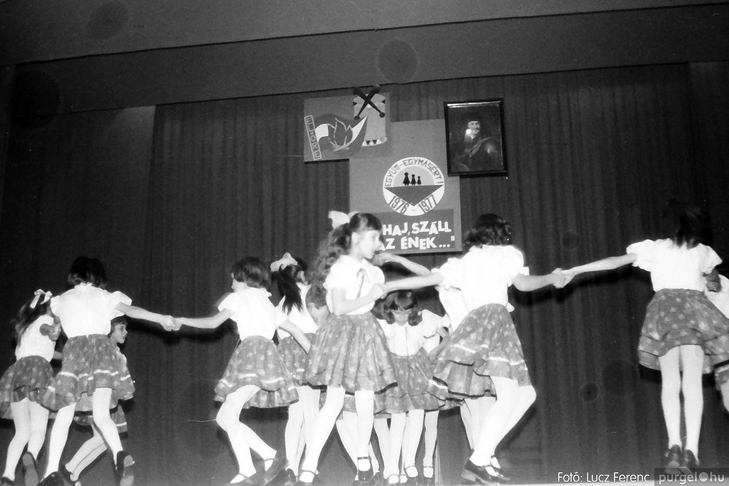 077. 1977. Kulturális seregszemle Mindszenten 002. - Fotó: Lucz Ferenc.jpg