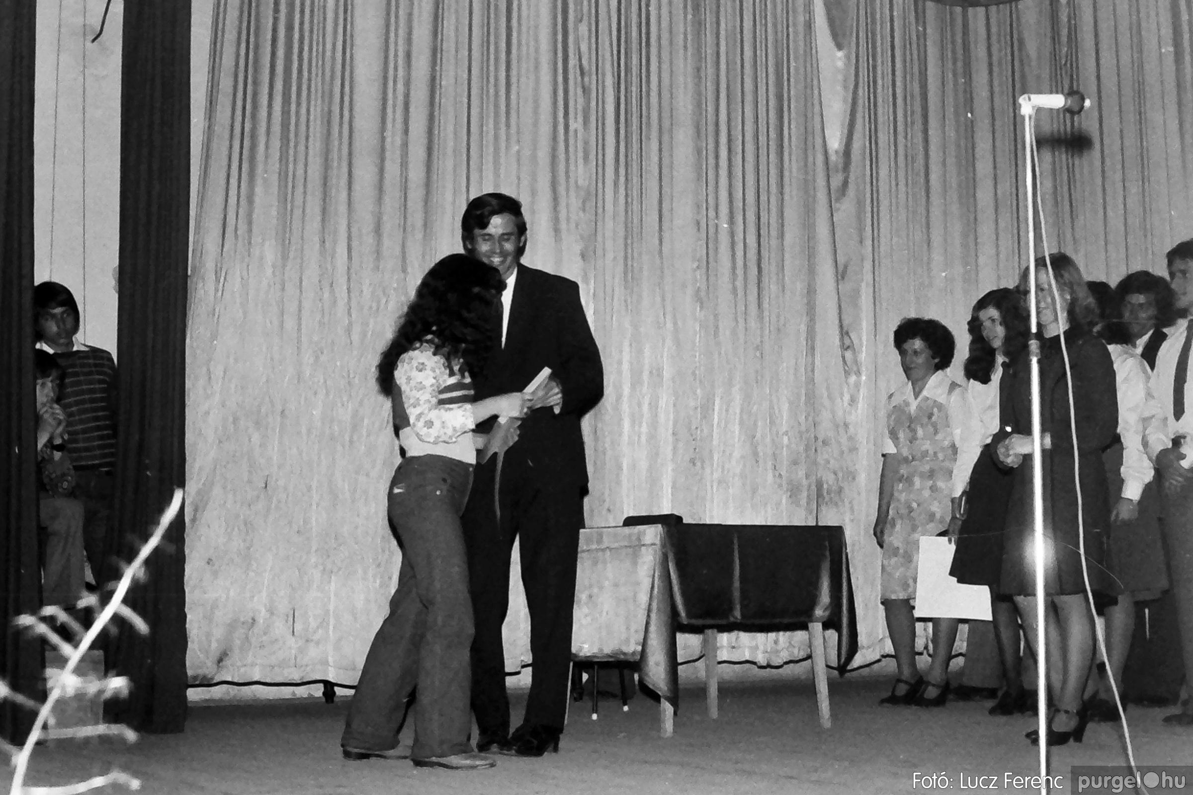 078. 1977.04.04. Április 4-i ünnepség 032. - Fotó: Lucz Ferenc.jpg