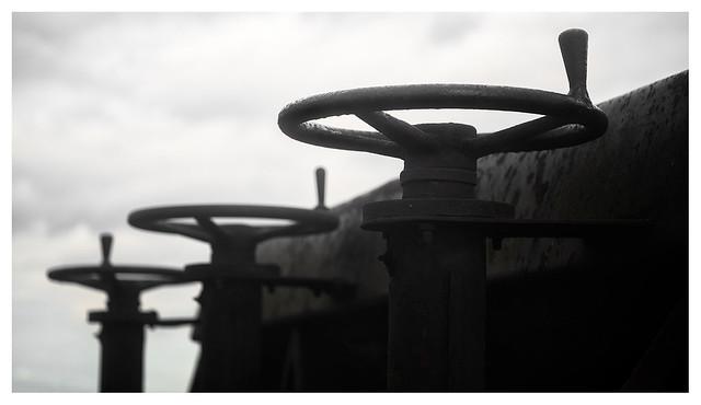 Triple steering