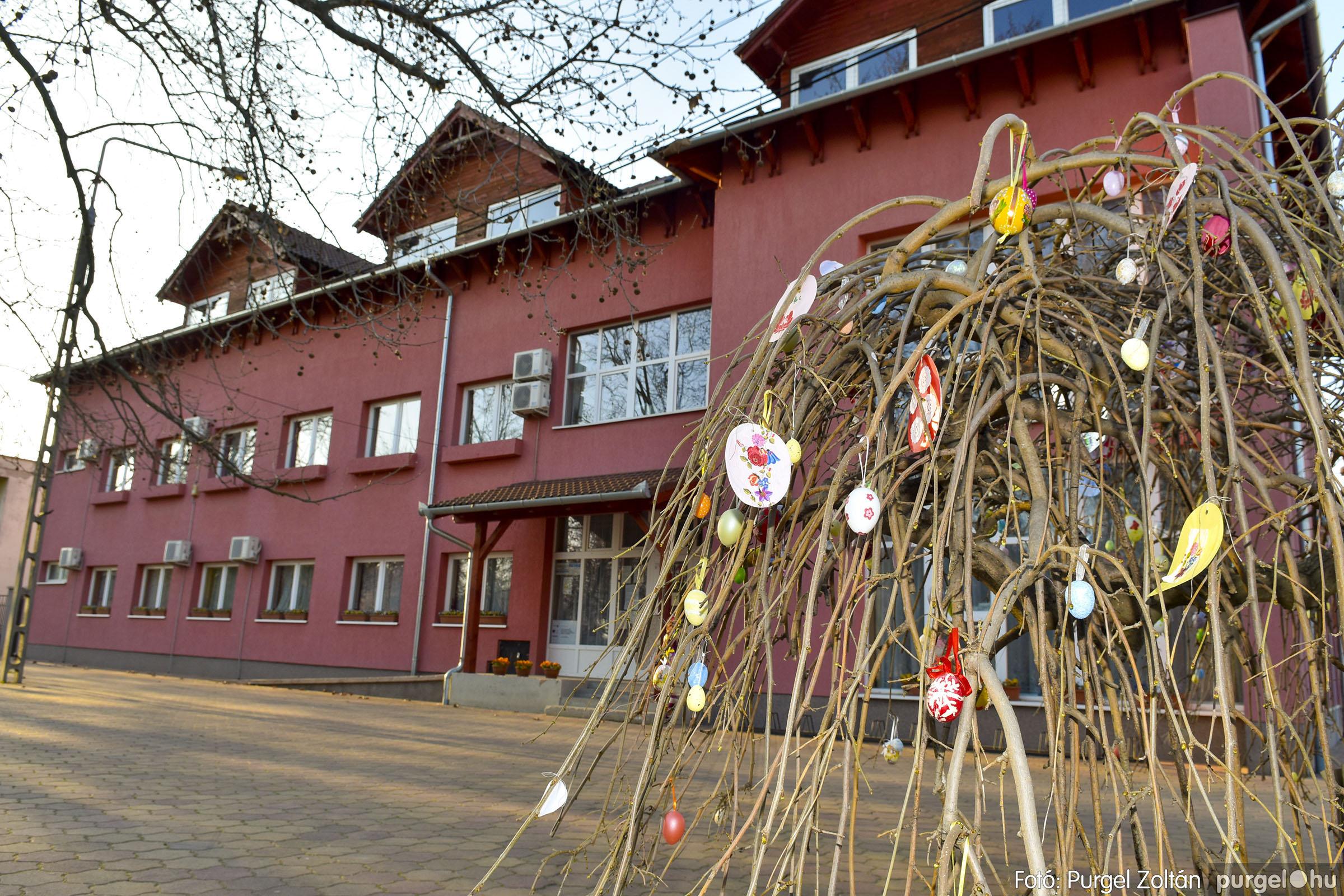 2021.03.31. 008 Szabadság téri tojásfák - Fotó:PURGEL ZOLTÁN© _DSC3987q.jpg