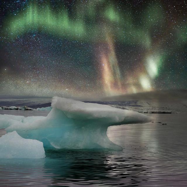 Aurora over Jökulsárlón 3