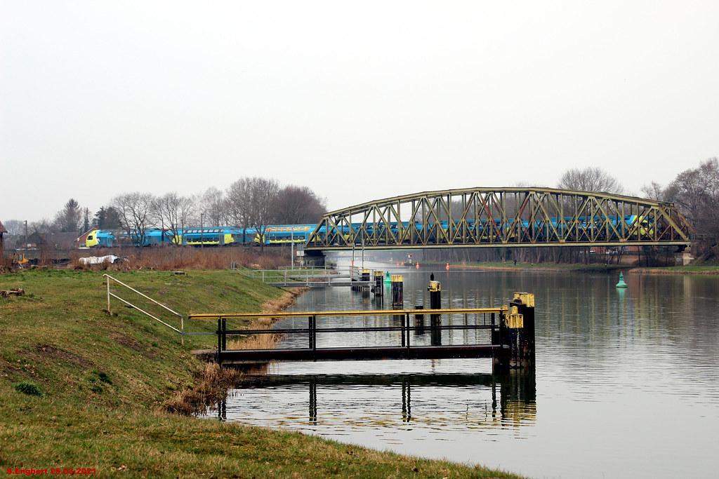 Bahnverkehr an der Schleuse Rheine Rodde