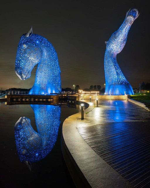 Another from the Kelpies in Falkirk last year. Such a cool place! #kelpiesofinstagram #kelpies #falkirk #scotlandphotography #art #bestoftheday #sculptureart #danlowphoto #explorepage #house_of_tones #instatraveling #jaw_dropping_shots #landscapelovers #l