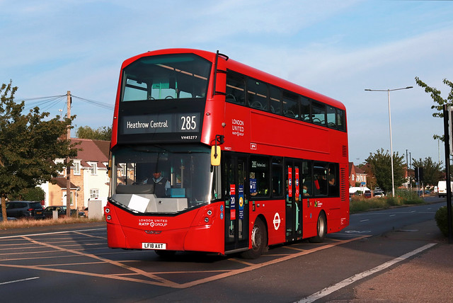 Route 285, London United, VH45277, LF18AXT