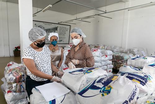 Marília Campos visita Banco de Alimentos