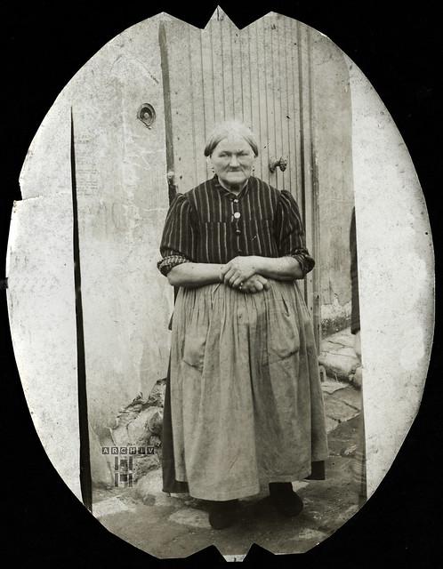 ArchivTappen23AAl2h254 Porträt, Oma, Frankreich, 1910er