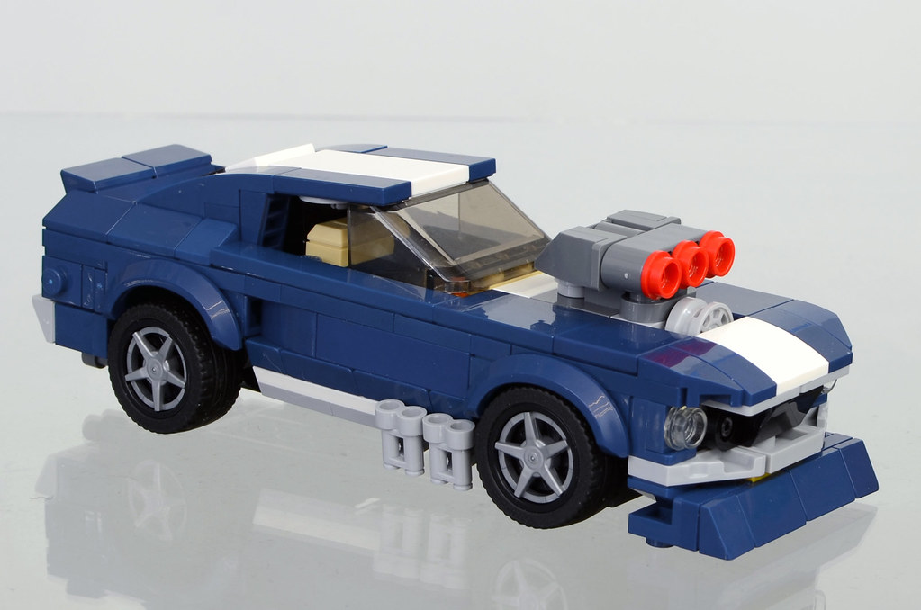 1967 Ford Mustang (minifig scale set 10265)