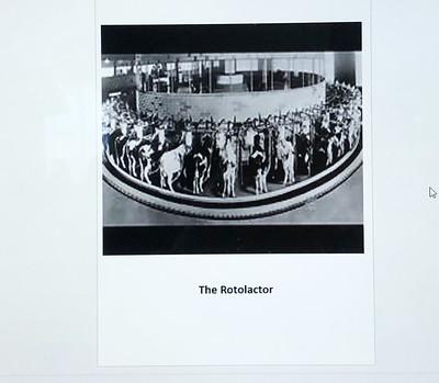 ElsieTheCow_6158-Rotolactor