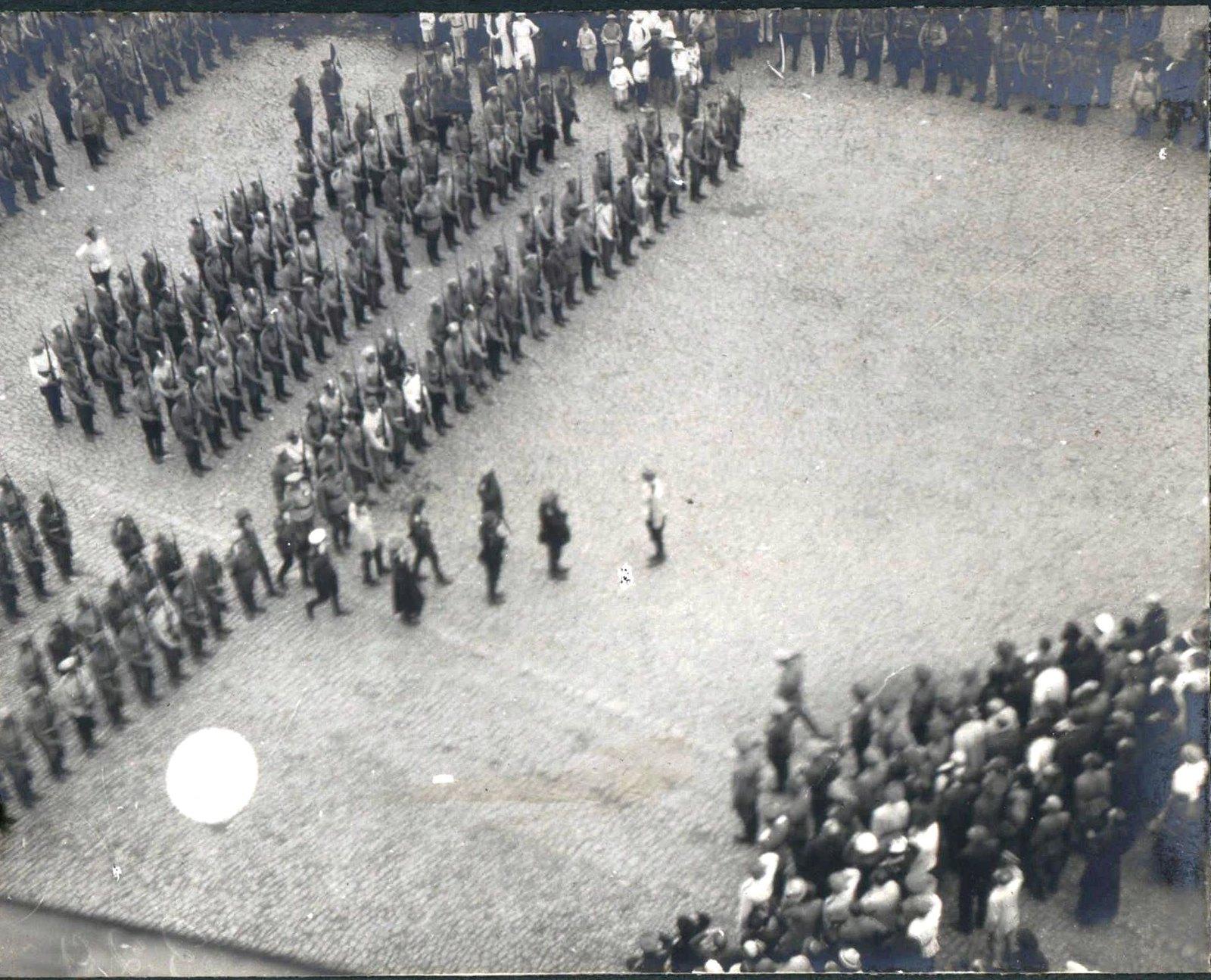 147. 1919. Панихида по павшим воинам в Харькове, июнь