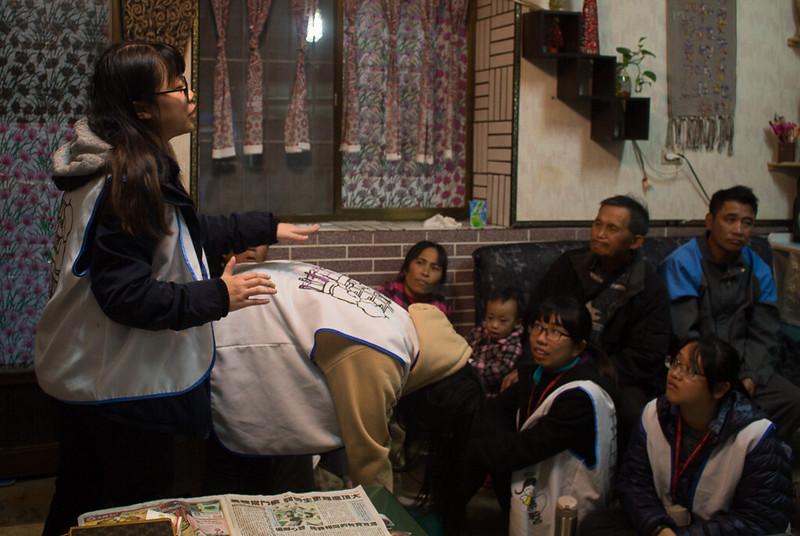 醫服隊至民眾家中進行衛教。圖/蕭惟先提供。
