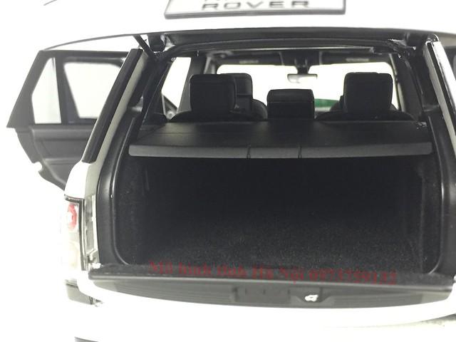 LCD 1 18 Range Rover SV facelift mo hinh o to xe hoi (20)