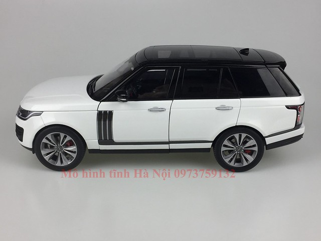 LCD 1 18 Range Rover SV facelift mo hinh o to xe hoi (4)