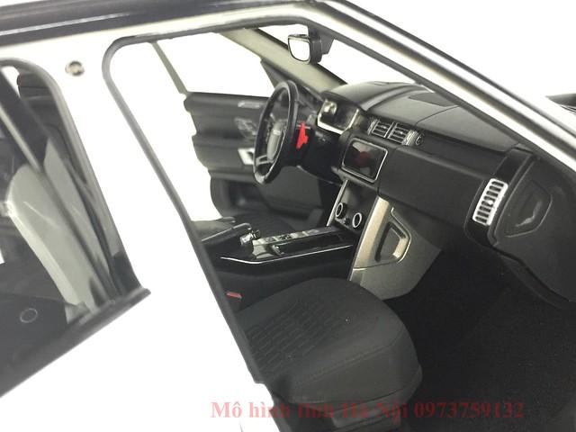 LCD 1 18 Range Rover SV facelift mo hinh o to xe hoi (18)