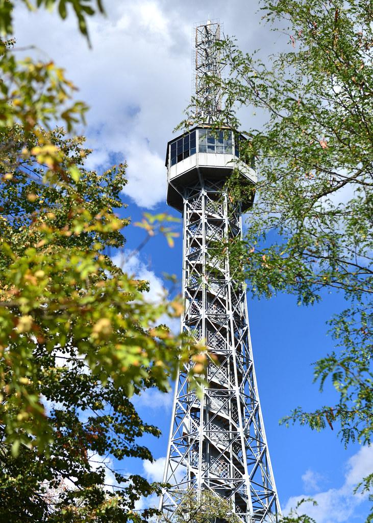 Torre Petrin, uno de los mejores miradores de Praga