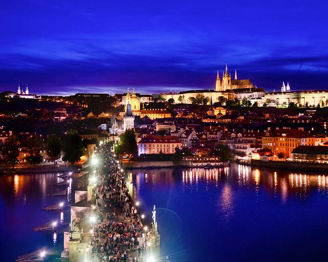 Hora mágica del Puente de Carlos desde la torre de la Ciudad Vieja