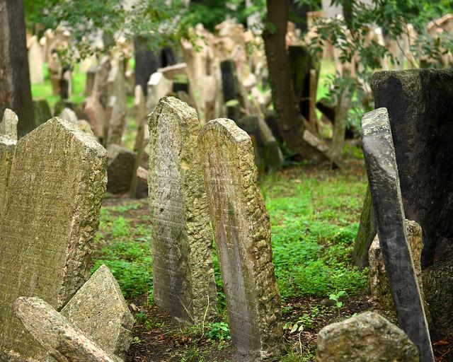 Lápidas del cementerio judío de Praga