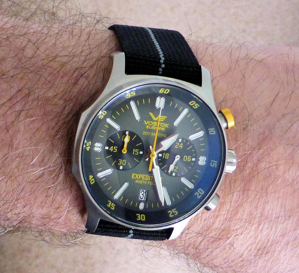 VE chrono black para wrist