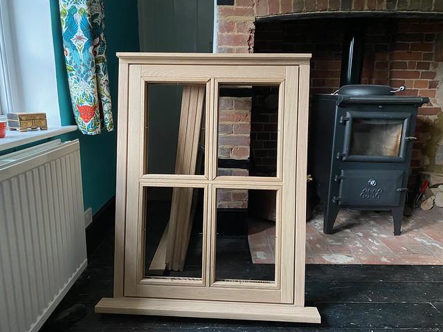 Small window - rear