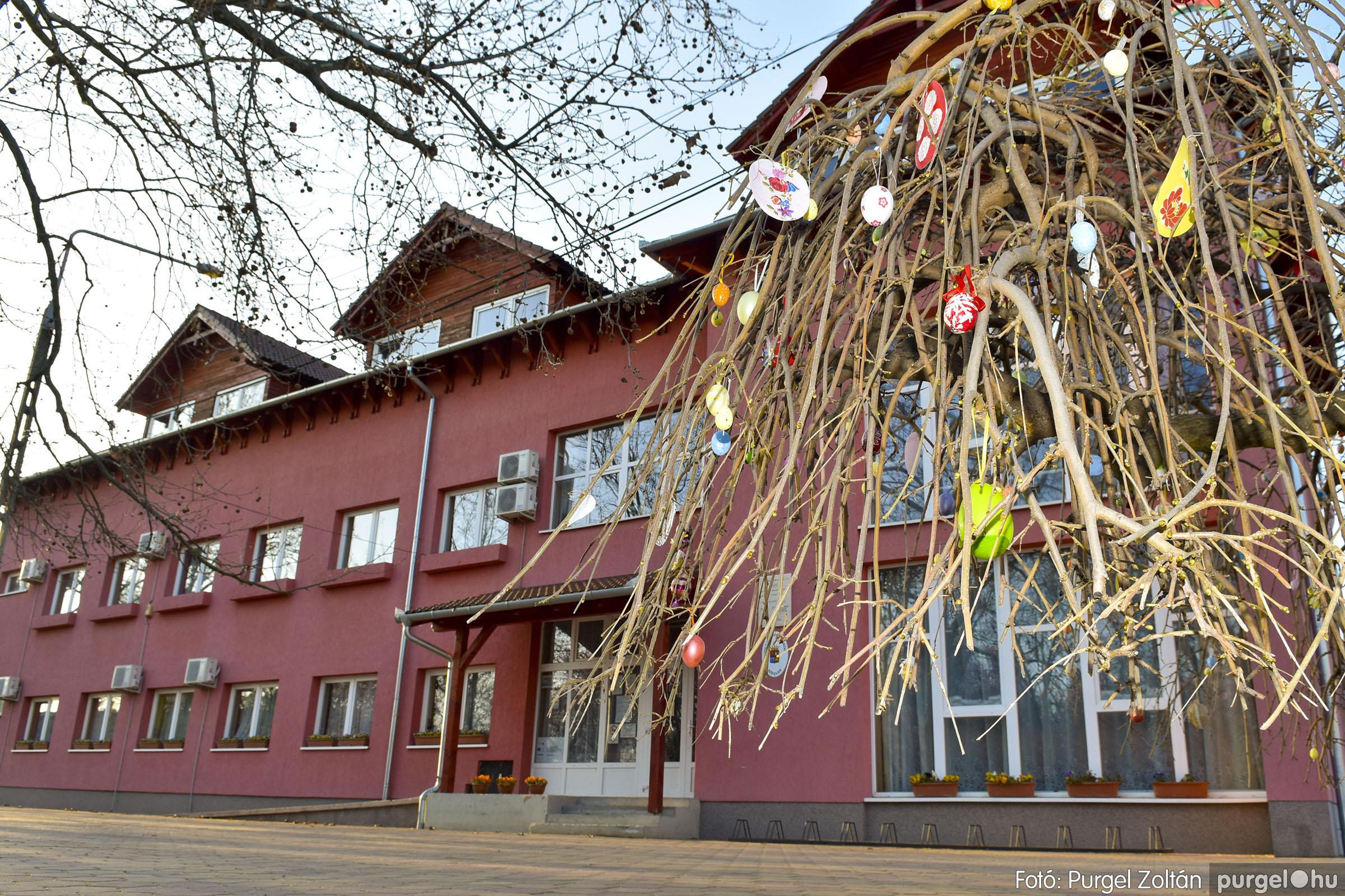 2021.03.31. 011 Szabadság téri tojásfák - Fotó:PURGEL ZOLTÁN© _DSC3990q.jpg