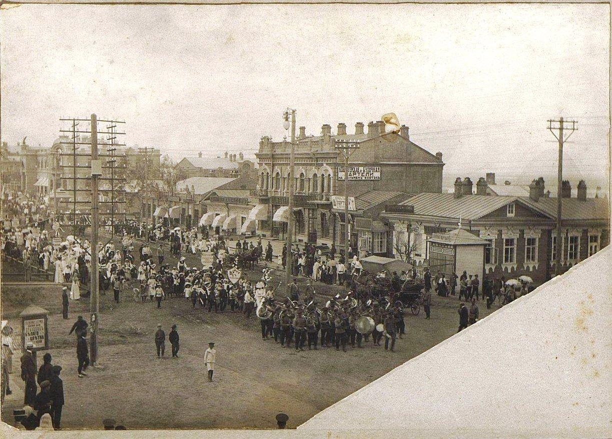 03. Улица Муравьёва-Амурского. Праздник белого цветка. 1912