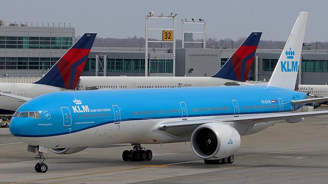 PH-BVW   Boeing 777-300ER   KLM
