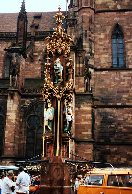Freiburg 1987 (05) Fischbrunnen
