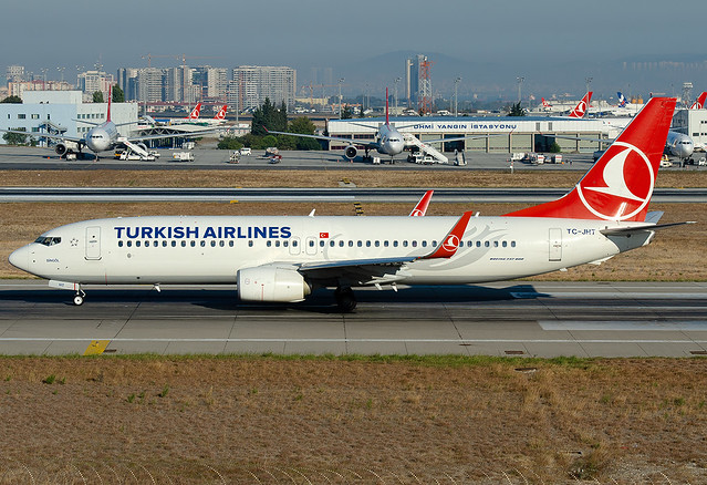 TC-JHT Turkish Airlines Boeing 737-8F2