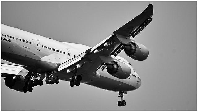D-ABYQ - Lufthansa - Boeing 747-830