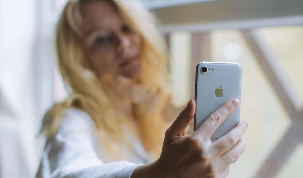 un-smartphone-pour-une-télésanté-personnalisée