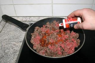 08 - Taste ground beef with paprika / Hackfleisch mit Paprika abschmecken