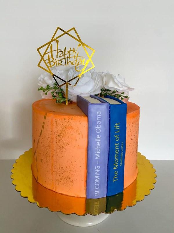 Cake by Tavares Bakes